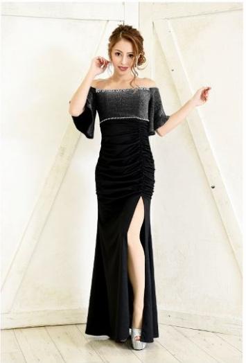 筋肉質を隠せるドレス