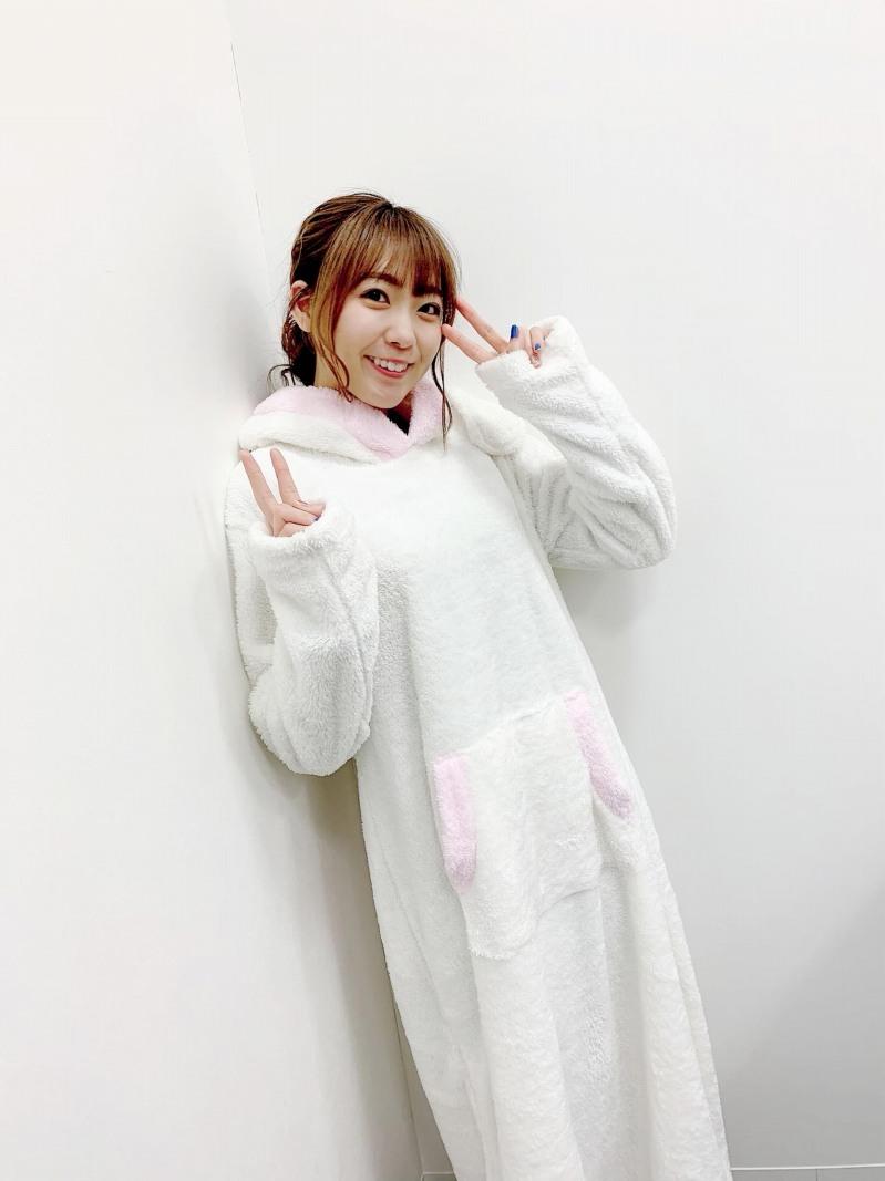 Abema TV 「しゅかりごと」斉藤朱夏様へRyuyuから衣装提供