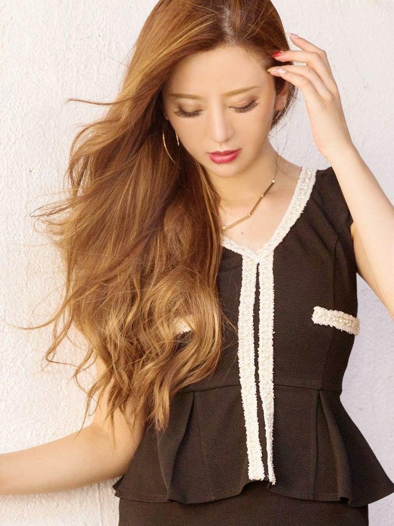 【Belsia】大人simpleフリンジパイピングペプラムミニドレス丸山慧子 着用キャバドレス 袖付きキャバクラドレス【ベルシア】