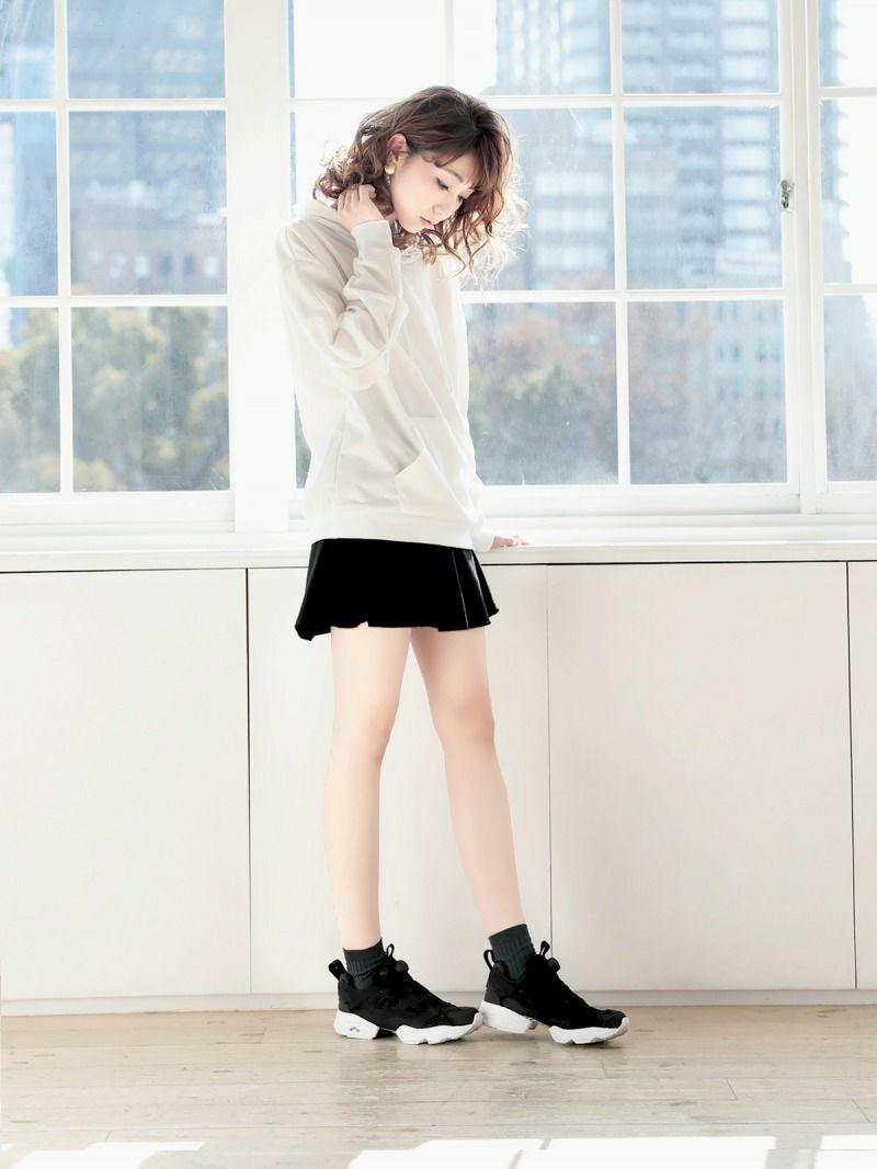 【Rvate】裏地パンツ付きフレアーミニスカート 単色無地ボトムス